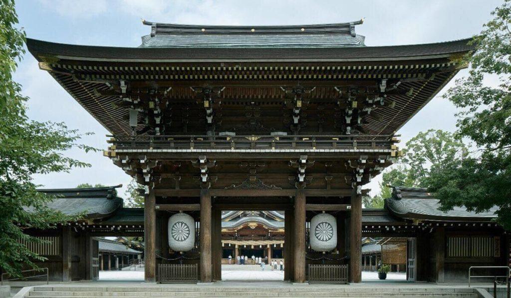 寒川神社正門