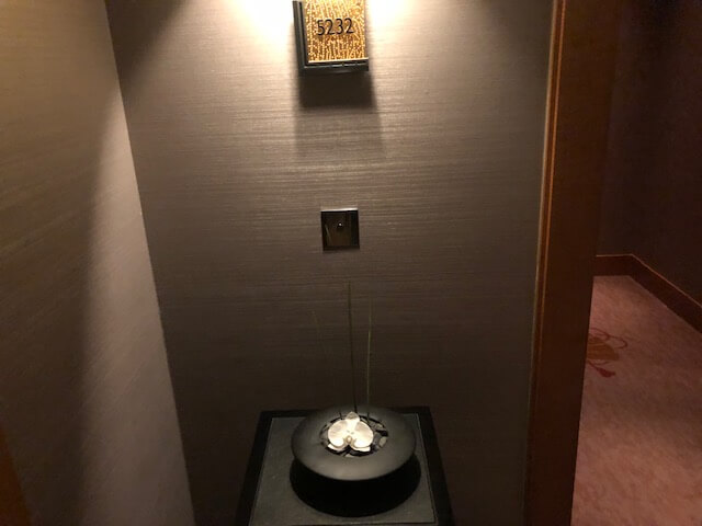 リッツ・カールトン東京クラブルーム入り口