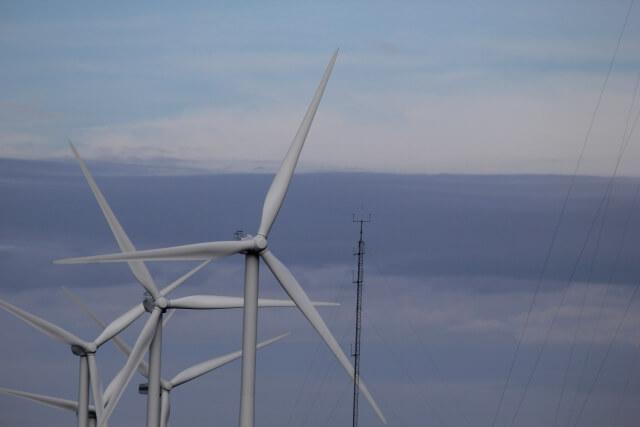 秋田県沖の風車