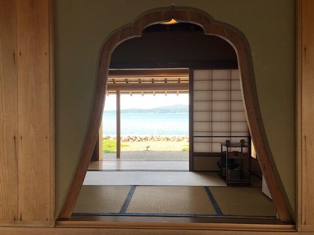 松乃碧茶室釣鐘窓